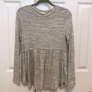Altar'd State top size L